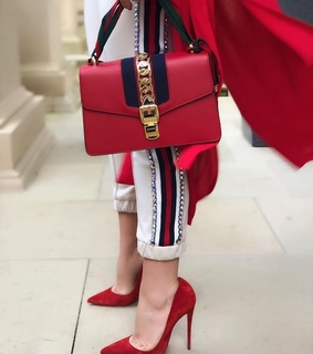 red gucci, pumps and red heels