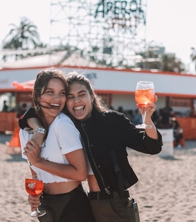 cheers, best friends and beach