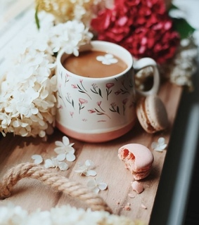 flowers, food and coffe