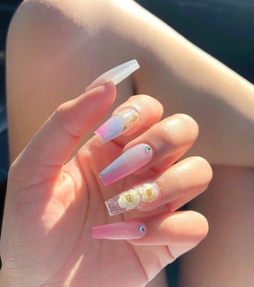 nails, girls and summer