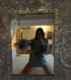 kendall jenner, selfie mirror and styles