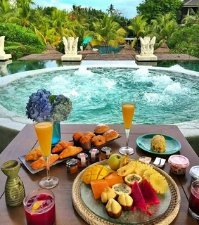 croissants, beautiful and pool