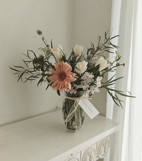 Fleurs, rose and white