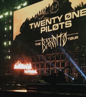 car, twenty one pilots and bandito