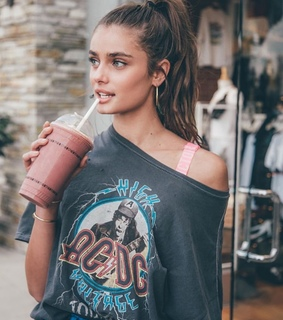 victoria's secret, natural beauty and smoothie