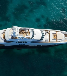 luxe, life and boat