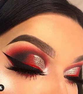 red, eyeshadow and gold