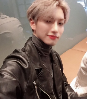 kpop, park seonghwa and selfie
