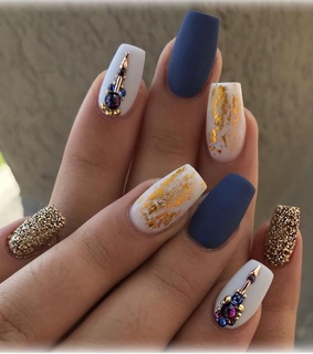 blue nails, design and style