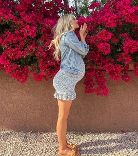 flores, baby and jeans