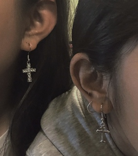 aesthetic, girls and earrings