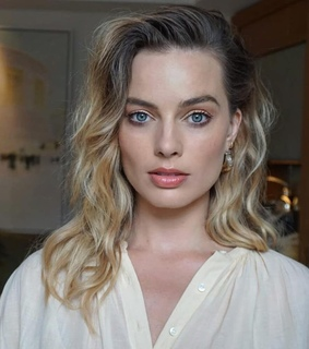 hair, beauty and margot robbie
