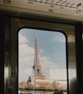 love, parís and eiffel tower