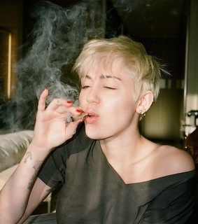 weed and miley cyrus