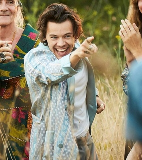 one direction, Harry Styles and gucci