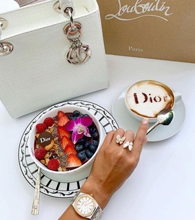 FRUiTS, cappuccino and dior
