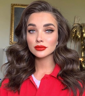 hair, popular and red lipstick