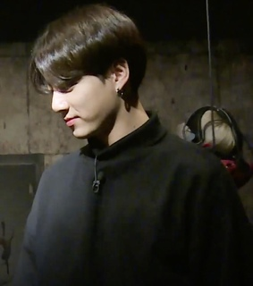 low quality, run bts and jeon jungkook