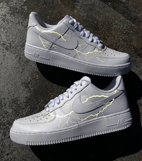 nike aesthetic, lightning and air force ones