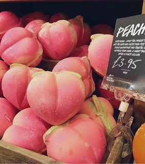 FRUiTS, pink and skin care