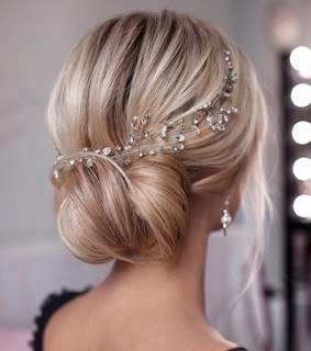 wedding day, bridal hair and wedding hairstyle