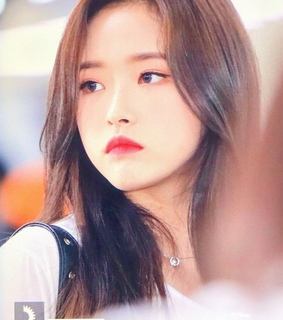 olivia hye, kpop and preview