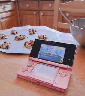 kitchen, pink nintendo 3ds and baking