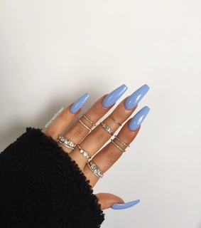acrylics, fresh claws and blue