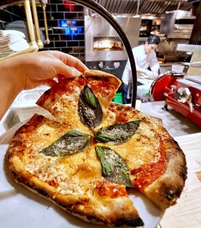 restaurant, tasty and pizza