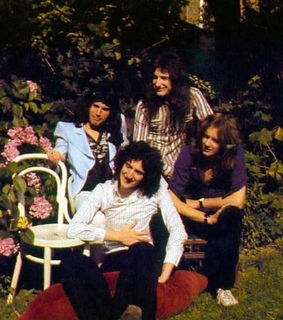 Queen, brian may and queen band