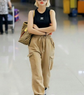 soyeon, kpop and airport fashion