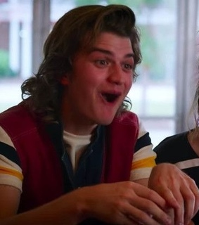 matching icons, steve and stranger things