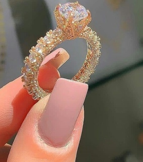 nails, gold and diamond ring