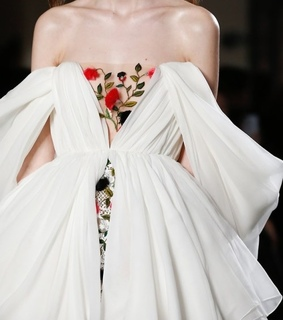 details, fashion and dress