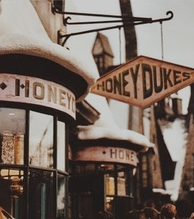 hogwarts, universal and honeydukes