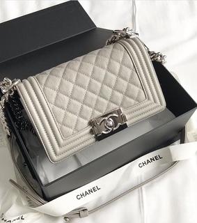 pale, purses and style
