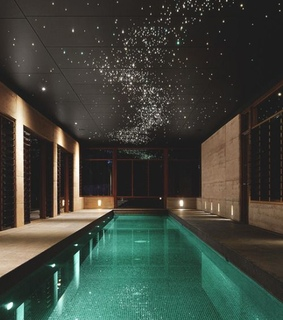 swimming pool, yes and lghts