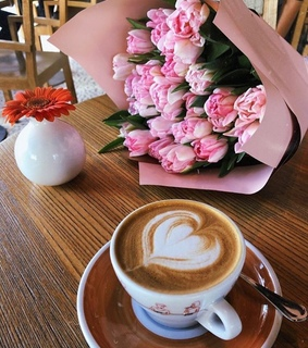lovelypink, lunchtime and coffee