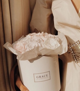 fashion, classic and white roses