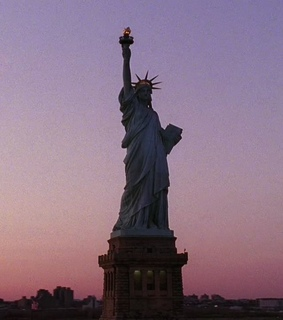 statue of liberty, television and gossip girl