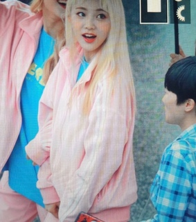loona, jung jinsoul and preview