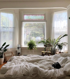 room decor, white and bedroom